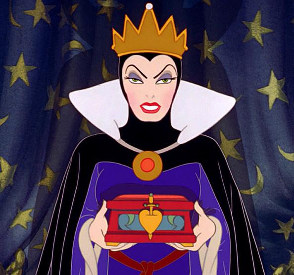 lynda.kiss.evil.queen