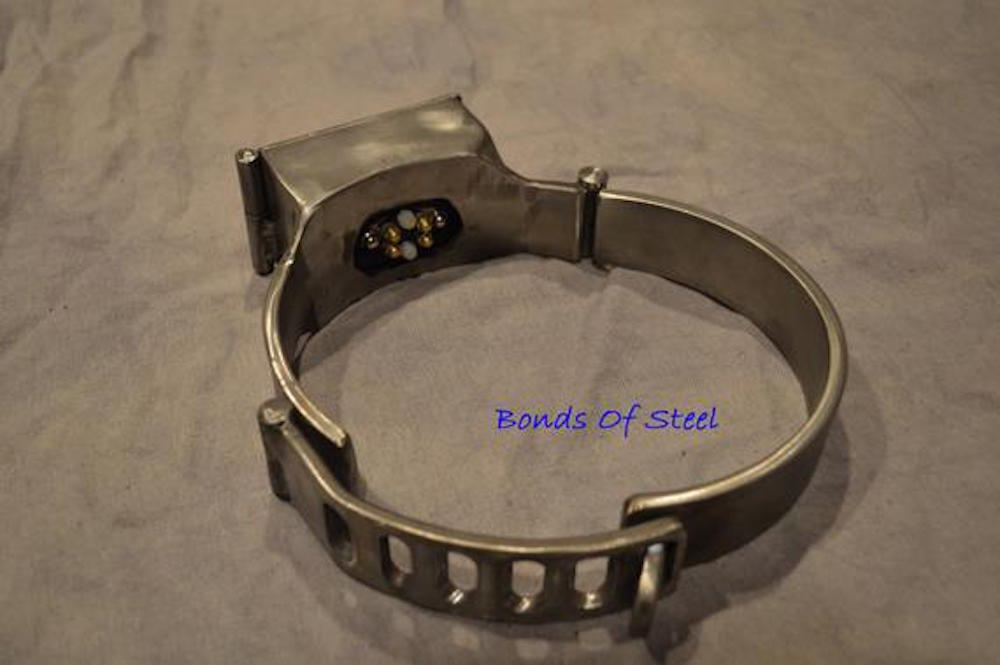steel.collar.2