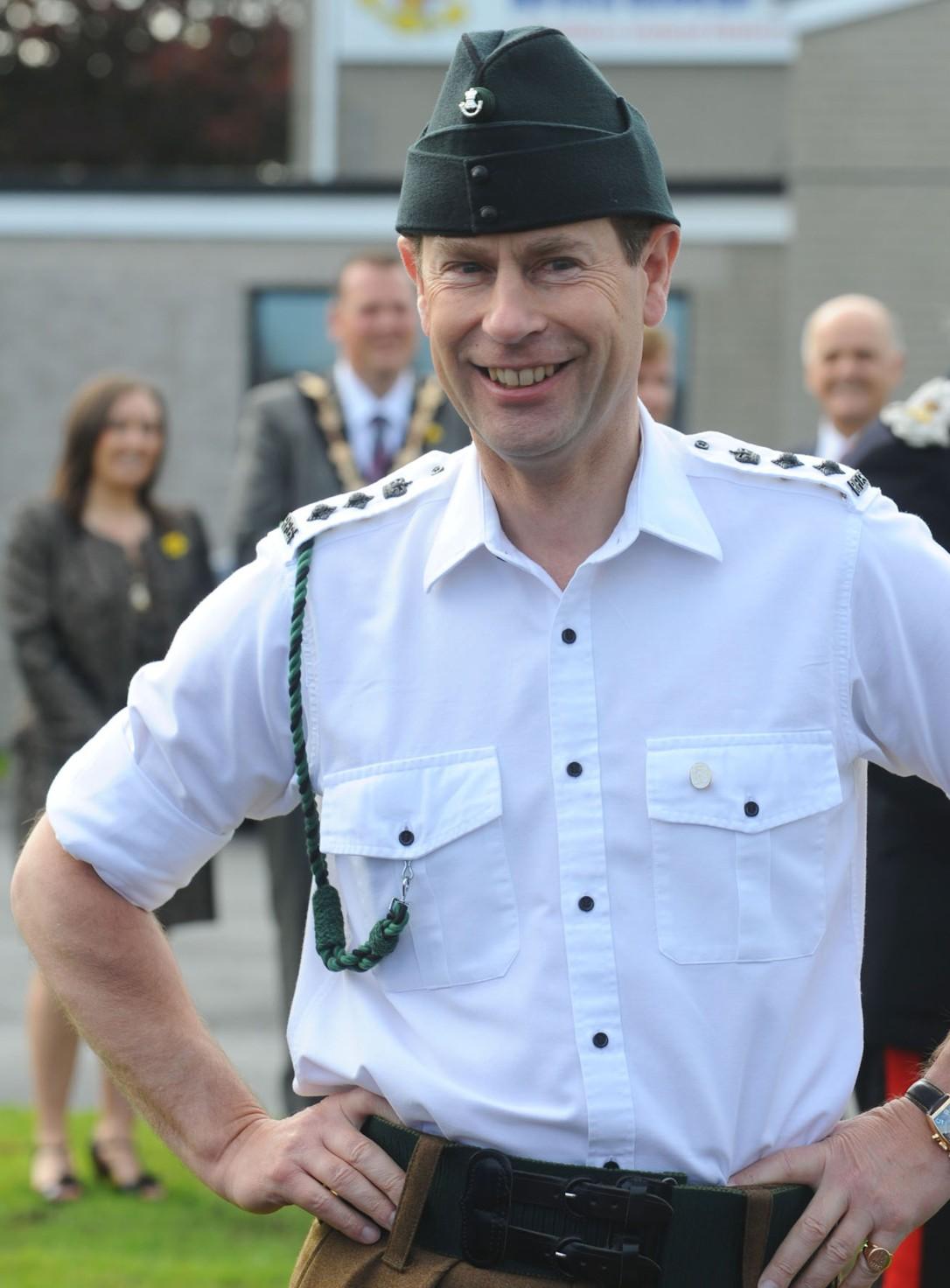 edward uniform 1