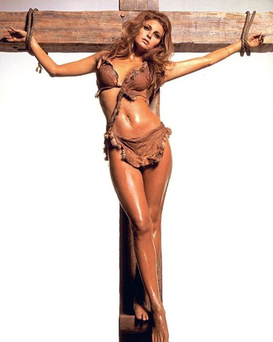 raquel welch cross