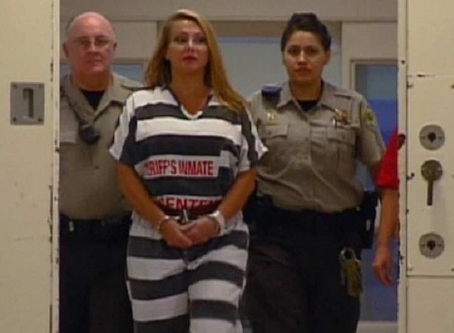 prison uniform black and white stripes