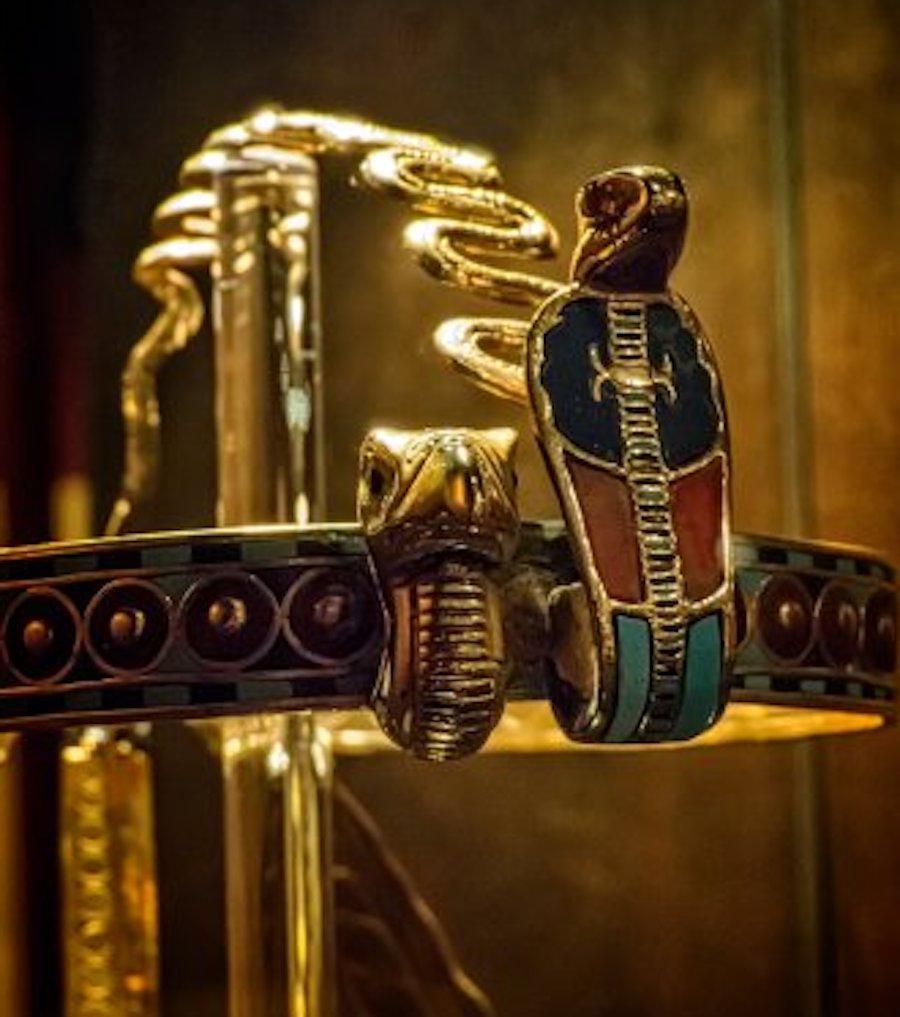 tutankhamun diadem uraeus